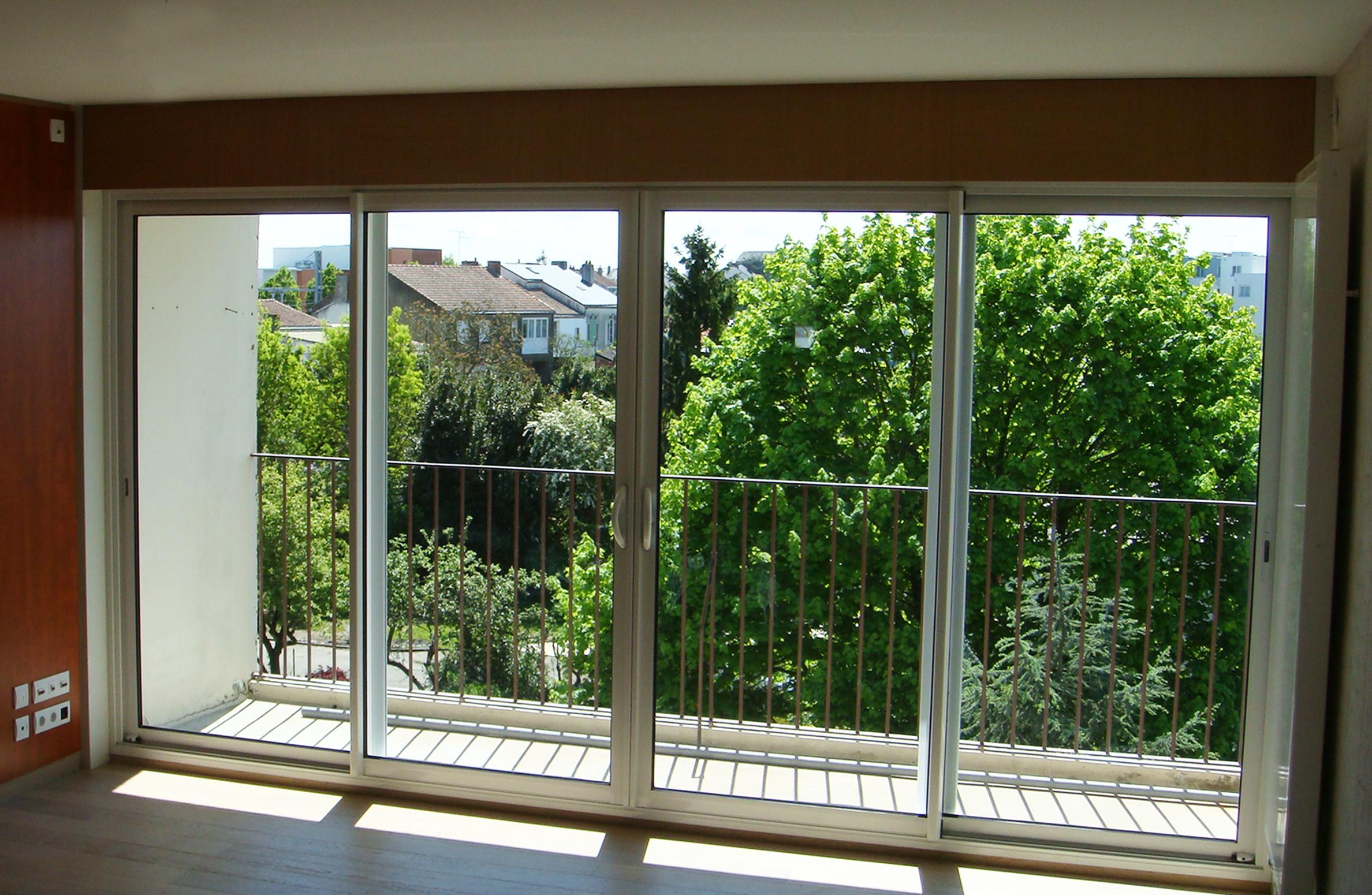 menuiserie exterieure amm belleville sur vie. Black Bedroom Furniture Sets. Home Design Ideas